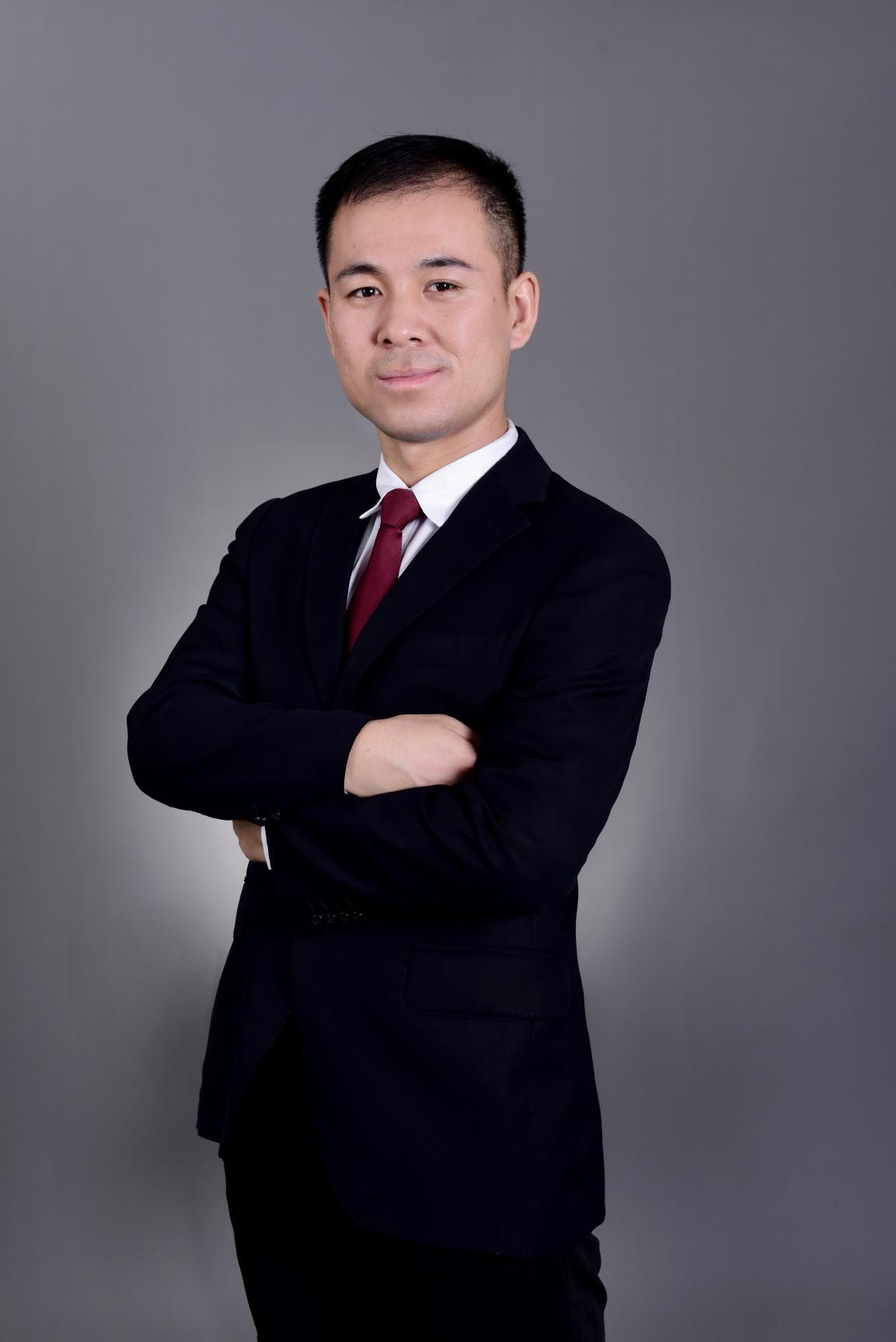 肖明明-整形医生